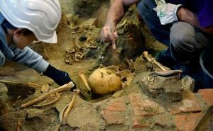 La Memoria Histórica busca en un pozo de Medina otra fosa con más cuerpos
