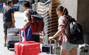 Segovia quiere cobrar una tasa de uno o dos euros a los turistas por pernoctar en la ciudad