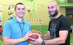 Pizarra serbia para el baloncesto palentino
