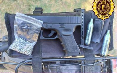 Denuncian a un hombre de 47 años que portaba una pistola de aire comprimido en Valladolid