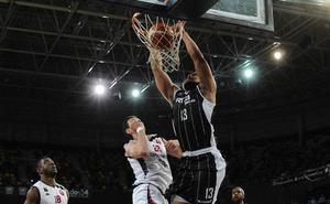 Kevin Larsen, nuevo pívot del Palencia Baloncesto
