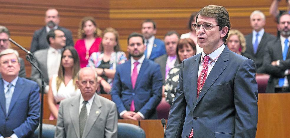 Mañueco promete liderar un Gobierno que los ciudadanos «sentirán cerca, a su lado»