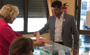 La dimisión de la alcaldesa de Valverde acerca el gobierno municipal al PSOE