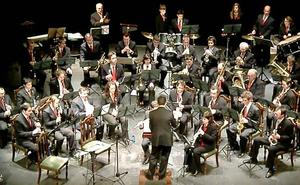 La banda de Ayllón pone música de cine al verano de Sacramenia