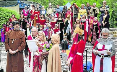 Valbuena recrea su declaración como villa real en la Feria Medieval
