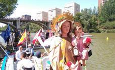 Procesión fluvial de la Virgen del Carmen en Valladolid