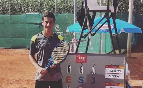 El infantil Carlos Sierra, entre los cuatro mejores del país en el Campeonato de España individual de tenis