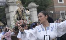 Procesión de la Virgen del Carmen en el barrio vallisoletano de Delicias