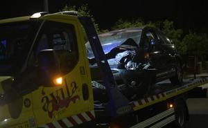 Cuatro heridos al chocar dos coches en Valladolid y volcar uno de ellos