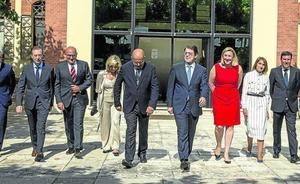 El nuevo Gobierno PP-Cs nace con la voluntad de superar sus contradicciones