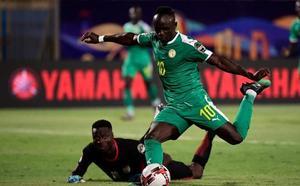La Copa de África impulsa a Mané en la pugna por el Balón de Oro
