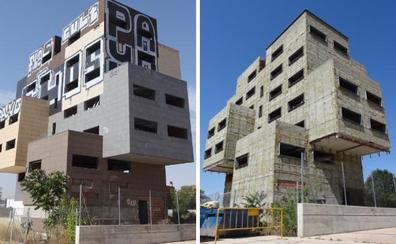 El desnudo integral de un símbolo de la crisis del ladrillo en Valladolid