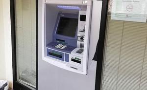 Roba 2.000 euros a una mujer en su domicilio de Valladolid tras seguirla desde el banco