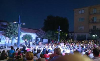 El Festival de Artes Escénicas de Calle 'ARTÉVALO' celebra este fin de semana su tercera edición
