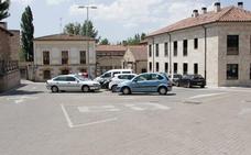 Proponen suprimir el aparcamiento de la plaza del Mercado Viejo en favor de los peatones