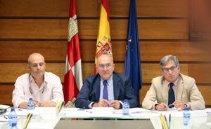 Sequía y topillos marcan la primera reunión de Carnero con el sector agrario