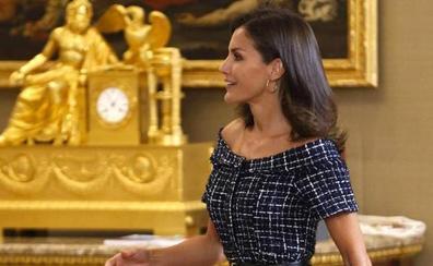 La reina de las rebajas: el último e impecable look de Letizia cuesta 20 euros