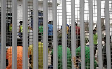 Seis guardias civiles heridos en un nuevo salto violento en Melilla