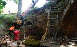 Comienza la reparación del puente Rojadillo de Brañosera