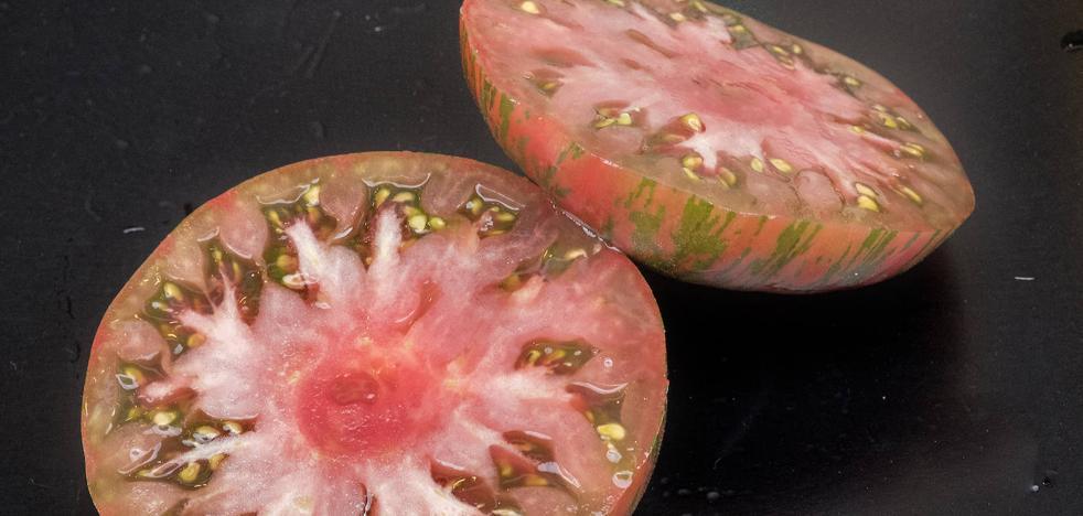 El verano «se parte en dos mitades de tomate»