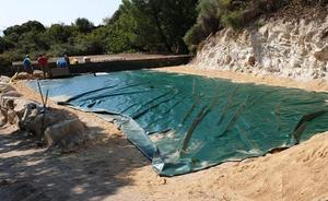 Colocan una bolsa de 220.000 litros en Mogarraz para garantizar el agua este verano
