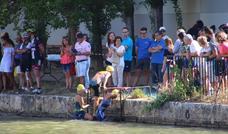 Exhibición de Mikel Ibergallartu y Elena Díez en el triatlón de Rioseco