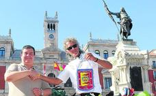 Un ciclista serbio que recauda fondos para incubadoras recala en Valladolid