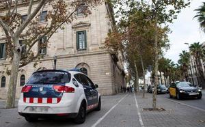 Los Mossos liberan a una mujer retenida más de 20 días en un piso de Tarragona