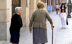 El PP de Valladolid propone que farmacias y comercios se conviertan en 'alertas' para prevenir la soledad de los mayores
