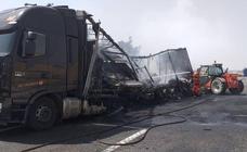 Reabierta la A-62 en Palencia tras el incendio de un camión