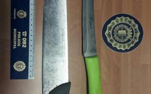 Denunciado en Valladolid por llevar dos cuchillos de cocina bajo el asiento de su coche