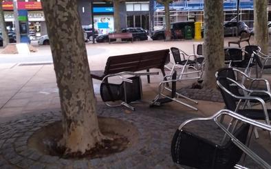 El Ayuntamiento de León cierra los parques de la ciudad debido al vendaval de viento