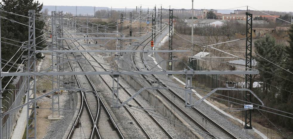 Adif adjudica obras en Alar del Rey por 1,4 millones para favorecer el tráfico de los trenes a Santander