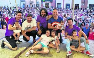 Cinco humoristas reúnen a 1.200 personas en Mota del Marqués para colaborar con la Fundación Síndrome de Dravet