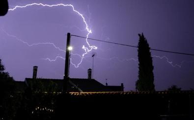 La tormenta de anoche en Valladolid deja imágenes impactantes