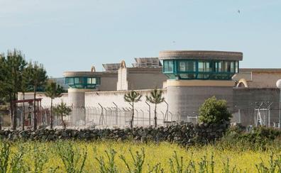 Once internas del centro penitenciario de Ávila reciben su diploma tras formarse en Estética
