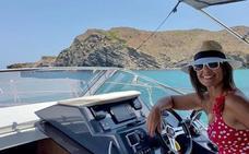 Nuria Roca tiene el bañador más favorecedor del verano