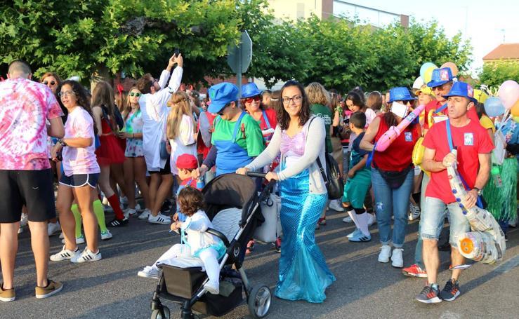 Dueñas se disfraza con su décimo carnaval de verano