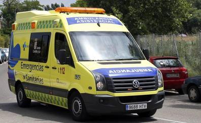 Un motorista herido al colisionar con un turismo en la Avenida Real Valladolid