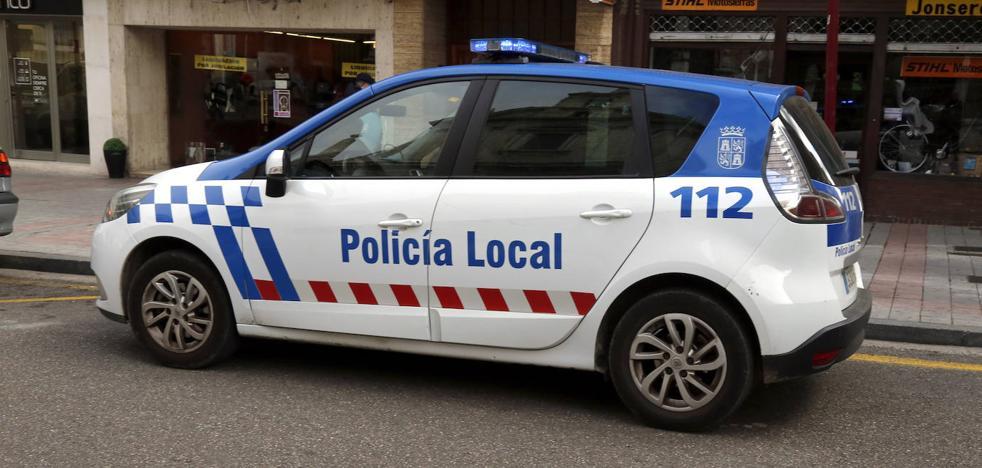 La Policía Local encuentra sola a una niña de 5 años en una parada de autobús de Palencia