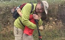 Abuelo y nieto, 'instagramers' del Camino