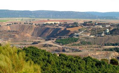 Un incendio ya extinguido afecta a la planta de uranio Quercus de Enusa en Salamanca