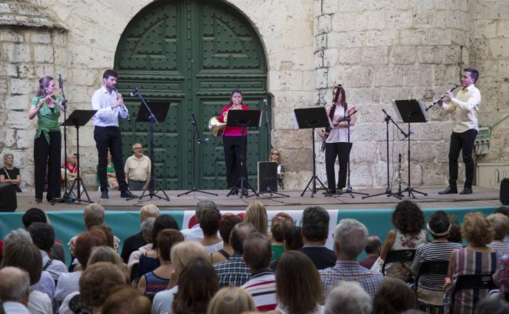 El quinteto Respira inaugura el certamen Emplazados en el Atrio de Santiago