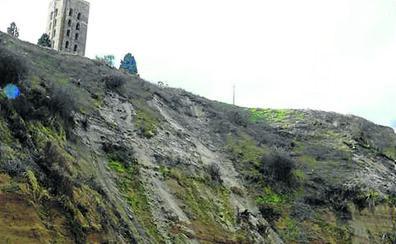 El alcalde de Coca pide a la Junta y a la CHD soluciones urgentes para los derrumbes en la laderas del río Eresma