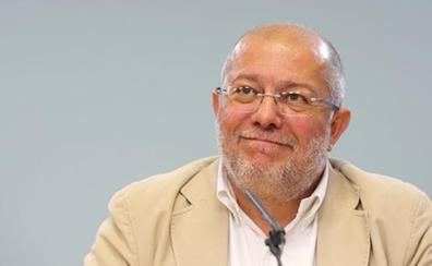 La Junta exigirá a la CHD datos sobre sus actuaciones en las acequias para frenar la plaga de topillos