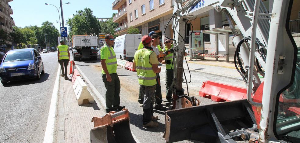El Ayuntamiento ultima las obras en Ezequiel González, a la espera de que la Junta asfalte la calzada