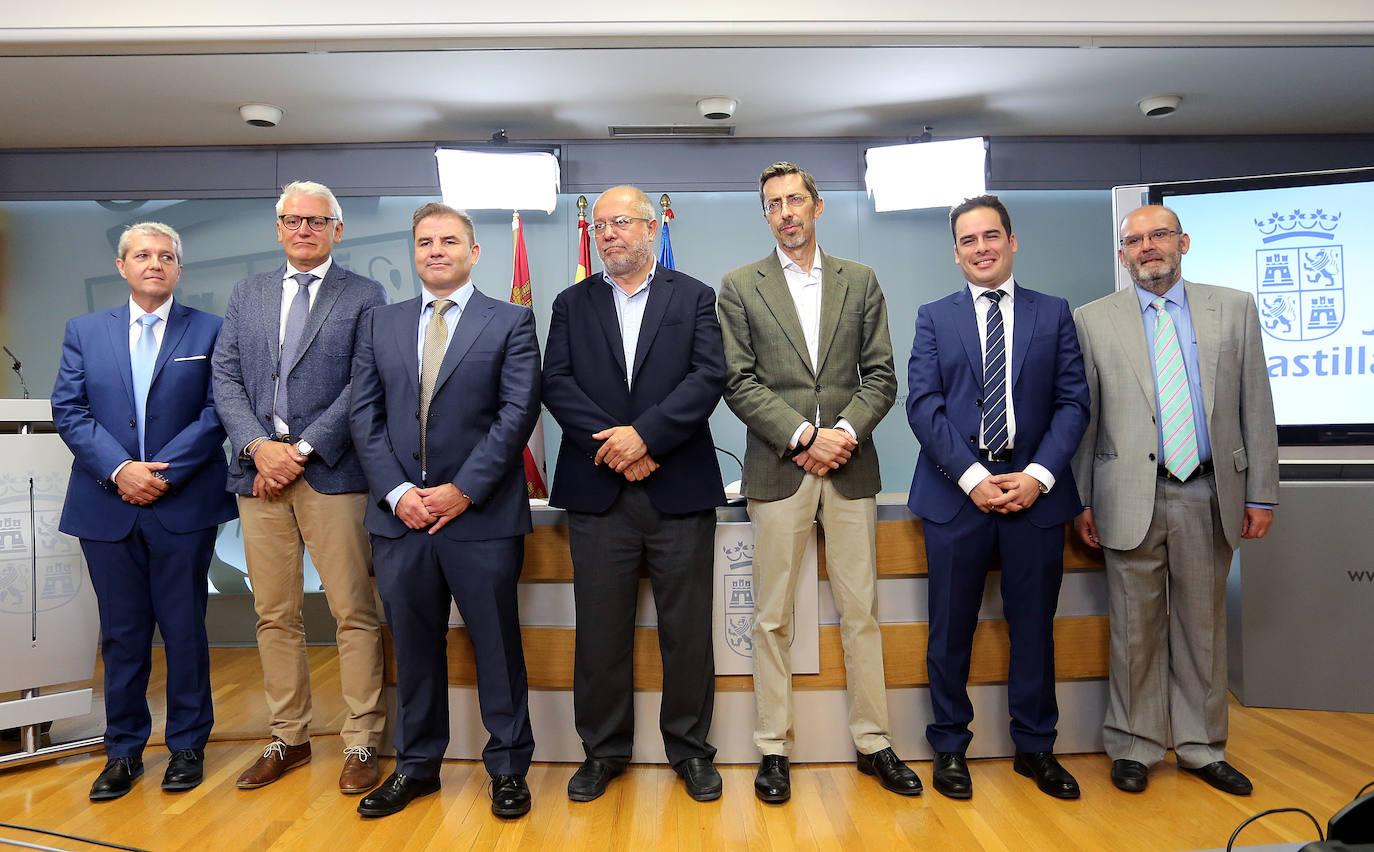 Los altos cargos de la Junta de Castilla y León toman posesión