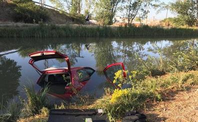 Extraen del Canal de Castilla un vehículo que había sido robado la noche anterior en Valladolid