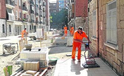 El patio del colegio Felipe II acogerá un aparcamiento con 70 plazas en el Cuatro de Marzo
