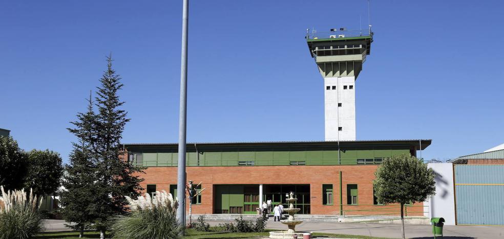 Detenida al tratar de meter en la cárcel de Dueñas más de cien gramos de hachís en bellotas